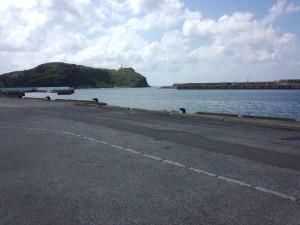 久部良漁港から西崎灯台方面