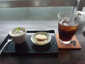 アイスコーヒー + プリン