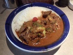 ビーフ + 野菜カレー (ルー大盛り, 辛さ 50 倍)