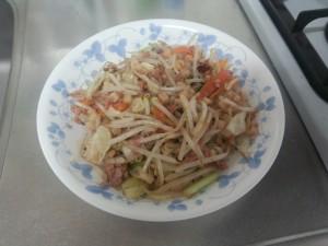 野菜炒め + コンビーフハッシュ (4)