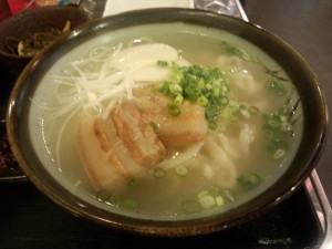 手打ち生麺 沖縄そば定食