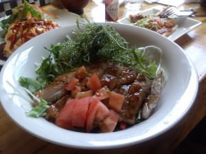 島豚と海ぶどうの照り焼き丼
