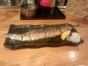 トロ秋刀魚一尾炭火焼き