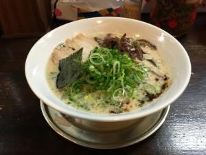 豚骨醤油 青ネギラーメン (1)