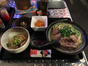 日替そば (ニラカナそば + 定食)