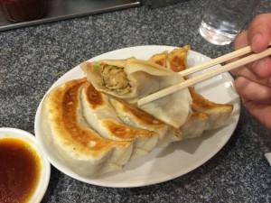 黒豚餃子 (2)