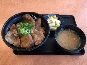 ロース豚丼 十勝仕立て 並盛 (1)