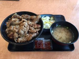 牛カルビ丼 大盛 (1)