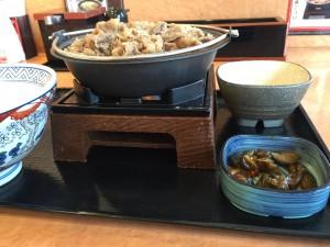 牛すき鍋膳 肉二倍盛 (2)