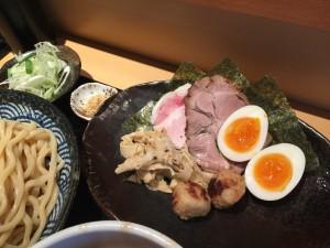 特製つけ麺 (中盛 300g)